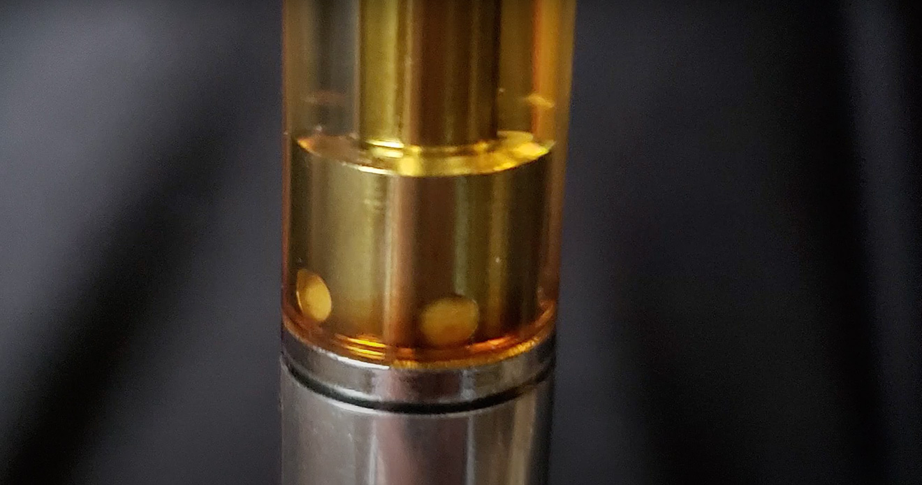 Oil cartridge changing color
